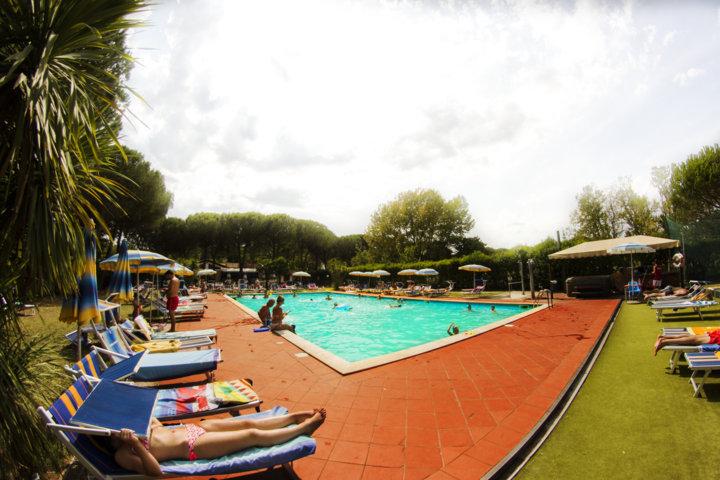 Camping Lago Trasimeno con piscina